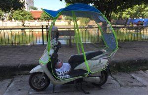 kinh nghiệm chọn mua áo mưa xe máy, ô xe máy, mái che xe máy