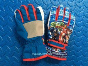Găng tay Avengers cho trẻ chống nước chống lạnh chống trơn trượt cho bé trai